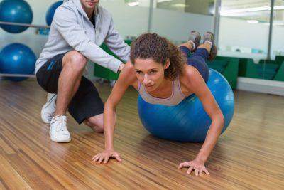Ćwiczenia na piłce – Przyjemne z pożytecznym!